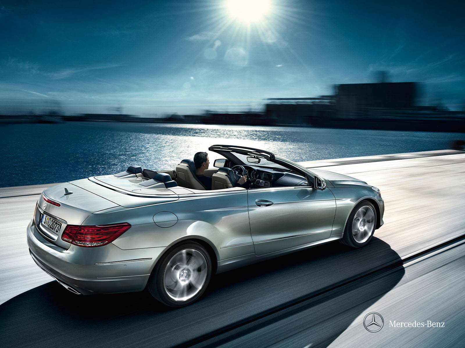 Rent a mercedes benz class e cabrio europcar belgium for Mercedes benz class e